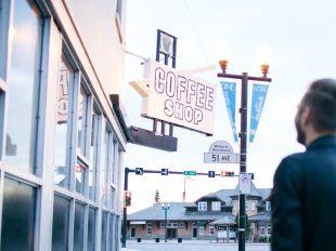 wizyta w coffee shopie