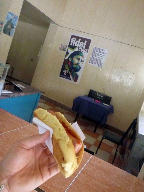 2017.04-5 Cuba, La Habana, Hot-Dog